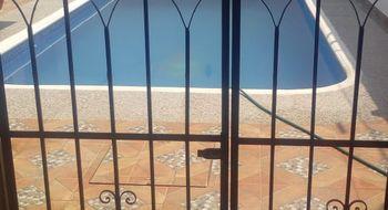 NEX-14781 - Casa en Renta en Costa Azul, CP 39850, Guerrero, con 4 recamaras, con 2 baños, con 1 medio baño, con 200 m2 de construcción.