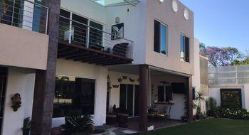 NEX-12681 - Casa en Venta en Vista Hermosa, CP 62290, Morelos, con 5 recamaras, con 5 baños, con 400 m2 de construcción.
