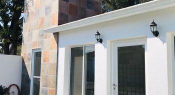 NEX-26305 - Casa en Venta en Centro Jiutepec, CP 62550, Morelos, con 3 recamaras, con 2 baños, con 1 medio baño, con 140 m2 de construcción.