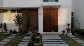 NEX-21362 - Casa en Renta en Lomas de Angelópolis II, CP 72830, Puebla, con 3 recamaras, con 4 baños, con 1 medio baño, con 140 m2 de construcción.