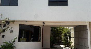 NEX-23096 - Casa en Renta en INFONAVIT El Carmen (Gastronómicos), CP 72470, Puebla, con 2 recamaras, con 2 baños, con 300 m2 de construcción.