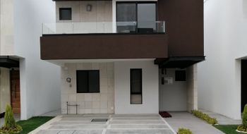 NEX-28845 - Casa en Venta en Lomas de Angelópolis, CP 72830, Puebla, con 3 recamaras, con 2 baños, con 1 medio baño, con 181 m2 de construcción.