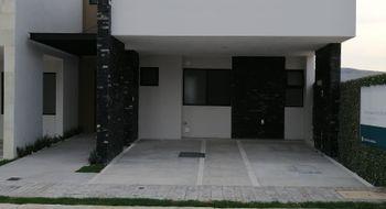 NEX-28847 - Casa en Venta en Lomas de Angelópolis, CP 72830, Puebla, con 3 recamaras, con 2 baños, con 1 medio baño, con 211 m2 de construcción.