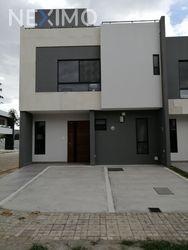NEX-29182 - Casa en Venta, con 3 recamaras, con 3 baños, con 1 medio baño, con 163 m2 de construcción en Lomas de Angelópolis, CP 72830, Puebla.