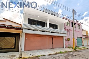 NEX-33149 - Casa en Venta en Ciudad Satélite, CP 72320, Puebla, con 3 recamaras, con 1 baño, con 1 medio baño, con 230 m2 de construcción.