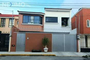 NEX-46584 - Casa en Venta, con 3 recamaras, con 2 baños, con 1 medio baño, con 130 m2 de construcción en Villas del Álamo, CP 42184, Hidalgo.