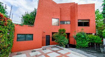 NEX-1740 - Casa en Venta en Lomas de Tecamachalco, CP 53950, México, con 5 recamaras, con 5 baños, con 1 medio baño, con 680 m2 de construcción.