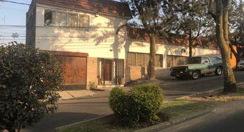 NEX-4398 - Casa en Venta en Las Águilas, CP 01710, Ciudad de México, con 4 recamaras, con 3 baños, con 1 medio baño, con 400 m2 de construcción.
