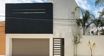 NEX-23251 - Casa en Venta en Delicias, CP 62330, Morelos, con 4 recamaras, con 4 baños, con 380 m2 de construcción.