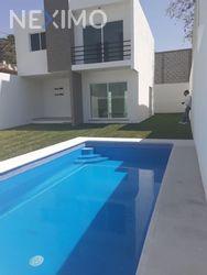 NEX-32339 - Casa en Venta, con 3 recamaras, con 3 baños, con 180 m2 de construcción en 3 de Mayo, CP 62763, Morelos.
