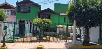 NEX-38832 - Casa en Venta en Colinas de Tarango, CP 01610, Ciudad de México, con 4 recamaras, con 3 baños, con 1 medio baño, con 347 m2 de construcción.