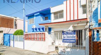 NEX-12058 - Casa en Venta en Veracruz Centro, CP 91700, Veracruz de Ignacio de la Llave, con 3 recamaras, con 1 baño, con 1 medio baño, con 117 m2 de construcción.