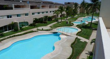 NEX-2283 - Casa en Venta en Playa Diamante, CP 39897, Guerrero, con 3 recamaras, con 2 baños, con 2 medio baños, con 233 m2 de construcción.