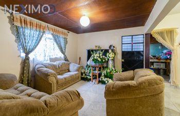 NEX-1582 - Casa en Venta, con 6 recamaras, con 3 baños, con 225 m2 de construcción en Valle del Sur, CP 09819, Ciudad de México.