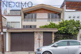 NEX-35063 - Casa en Renta en Villa Coapa, CP 14390, Ciudad de México, con 3 recamaras, con 2 baños, con 1 medio baño, con 150 m2 de construcción.