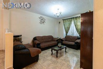 NEX-5861 - Casa en Venta, con 4 recamaras, con 2 baños, con 2 medio baños, con 160 m2 de construcción en Santiago Centro, CP 13300, Ciudad de México.