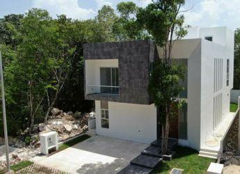 NEX-18612 - Casa en Venta en Jardines de Ciudad Mayakoba, CP 77724, Quintana Roo, con 4 recamaras, con 4 baños, con 1 medio baño, con 302 m2 de construcción.