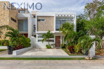 NEX-45801 - Casa en Venta, con 3 recamaras, con 3 baños, con 1 medio baño, con 187 m2 de construcción en Encuentro, CP 77726, Quintana Roo.