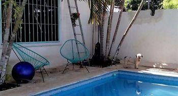 NEX-9013 - Casa en Venta en Luis Donaldo Colosio, CP 77728, Quintana Roo, con 2 recamaras, con 2 baños, con 220 m2 de construcción.
