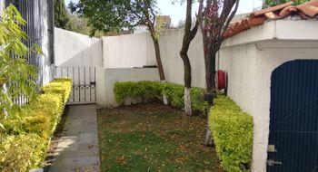 NEX-23658 - Casa en Venta en Paseo de las Palmas, CP 52787, México, con 4 recamaras, con 2 baños, con 1 medio baño, con 340 m2 de construcción.