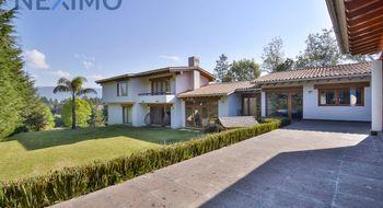 NEX-5708 - Casa en Venta en San Miguel, CP 52740, México, con 4 recamaras, con 5 baños, con 850 m2 de construcción.