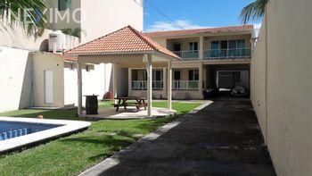 NEX-4017 - Casa en Venta, con 3 recamaras, con 5 baños, con 1 medio baño, con 549 m2 de construcción en Ricardo Flores Magón, CP 94290, Veracruz de Ignacio de la Llave.