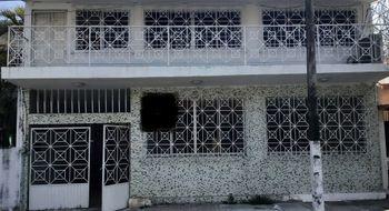 NEX-9564 - Casa en Venta en Reforma, CP 91919, Veracruz de Ignacio de la Llave, con 6 recamaras, con 3 baños, con 1 medio baño, con 280 m2 de construcción.