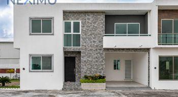 NEX-5042 - Casa en Venta en Paso Del Toro, CP 94277, Veracruz de Ignacio de la Llave, con 3 recamaras, con 3 baños, con 1 medio baño, con 144 m2 de construcción.