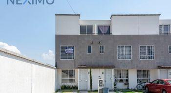 NEX-5823 - Casa en Venta en La Bomba, CP 52004, México, con 3 recamaras, con 2 baños, con 1 medio baño, con 105 m2 de construcción.