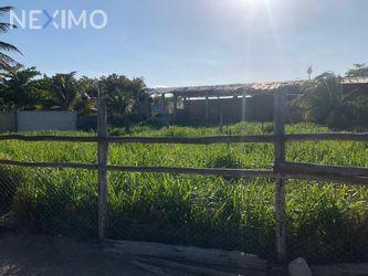 NEX-28413 - Terreno en Venta, con 120 m2 de construcción en Revolución, CP 97320, Yucatán.