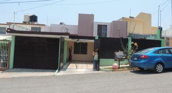 NEX-3592 - Casa en Venta en Plaza Villahermosa, CP 86179, Tabasco, con 3 recamaras, con 3 baños, con 210 m2 de construcción.