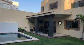 NEX-4590 - Casa en Venta en Lomas de Atzingo, CP 62180, Morelos, con 3 recamaras, con 2 baños, con 358 m2 de construcción.