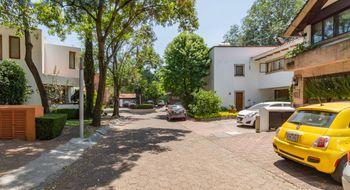 NEX-110 - Casa en Venta en Tetelpan, CP 01700, Ciudad de México, con 4 recamaras, con 3 baños, con 1 medio baño, con 425 m2 de construcción.