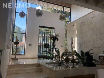 NEX-29298 - Casa en Venta, con 4 recamaras, con 5 baños, con 2 medio baños, con 500 m2 de construcción en Rancho del Carmen del Pueblo San Bartolo Ameyalco, CP 01849, Ciudad de México.