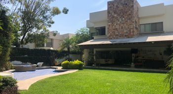 NEX-7350 - Casa en Venta en Chapultepec, CP 62360, Morelos, con 4 recamaras, con 6 baños, con 1 medio baño, con 556 m2 de construcción.