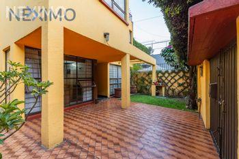 NEX-7614 - Casa en Venta, con 4 recamaras, con 2 baños, con 1 medio baño, con 288 m2 de construcción en El Rosedal, CP 04330, Ciudad de México.