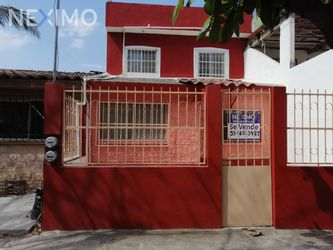 NEX-21444 - Casa en Venta, con 3 recamaras, con 2 baños, con 1 medio baño, con 120 m2 de construcción en Valente Díaz INFONAVIT, CP 91917, Veracruz de Ignacio de la Llave.